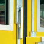 Складные промышленные автоматические ворота Teckentrup - блокировка подвижной двери