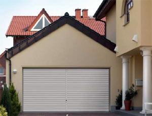 Подъемно-поворотные автоматические ворота гаражные, горизонтальный гофр