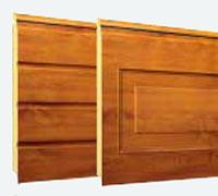 """Секционные гаражные ворота Teckentrup: отделка панелей под дерево """"Золотой дуб"""""""