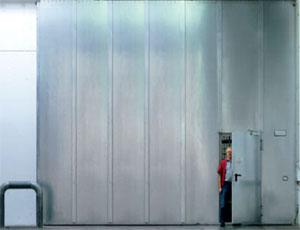 Противопожарные ворота Teckentrup: откатные ворота. с калиткой.